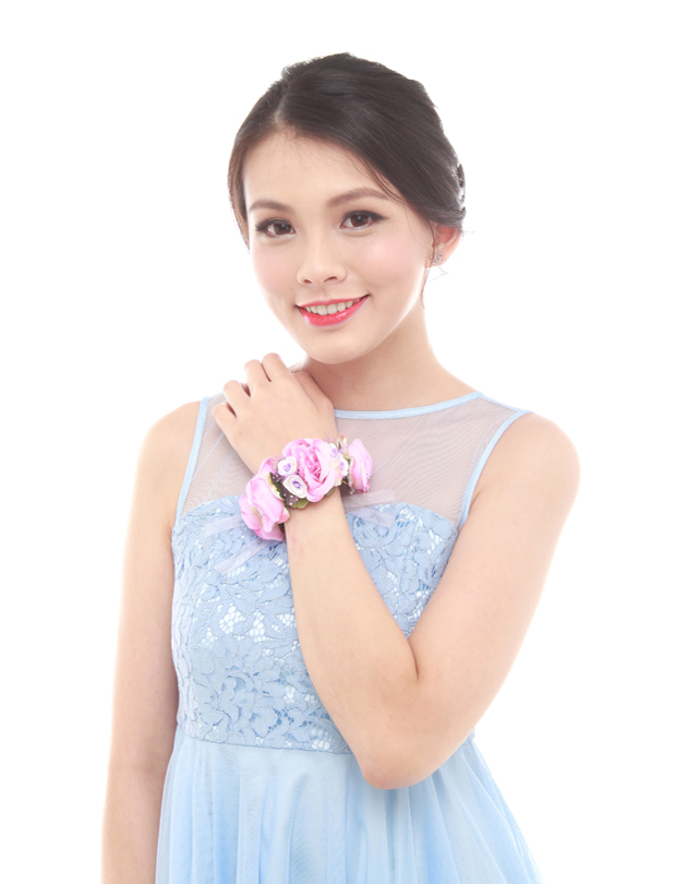 Leah Bridesmaid Corsage in Purple
