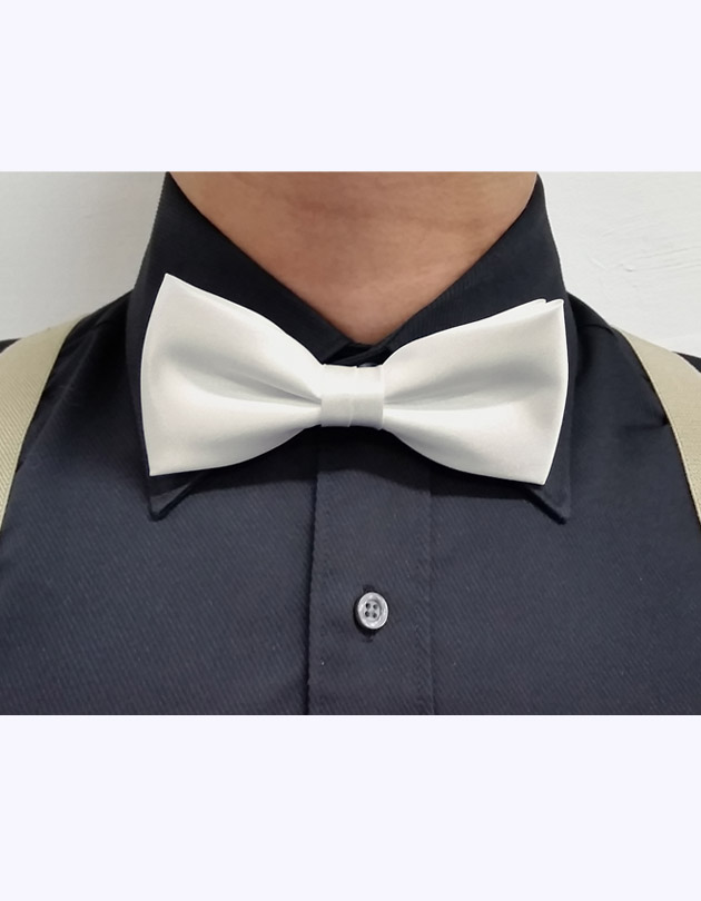 Bow Tie in Cream