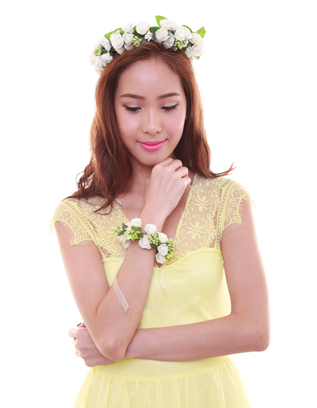Rochelle Floral Crown in Cream